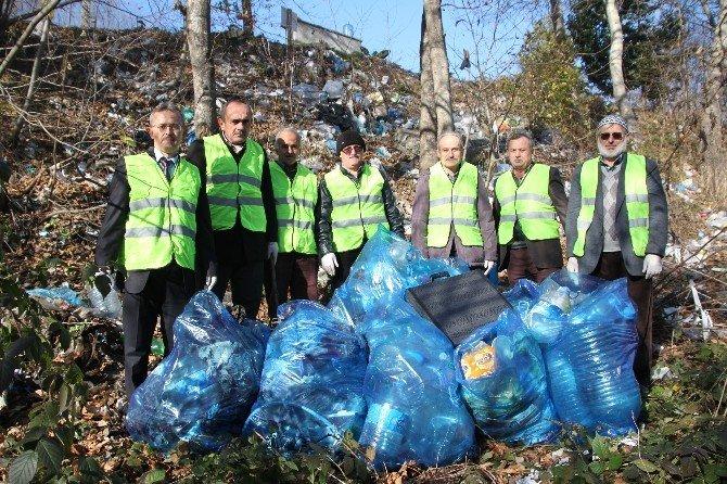 Cami Cemaati Bir Kamyon Çöp Topladı