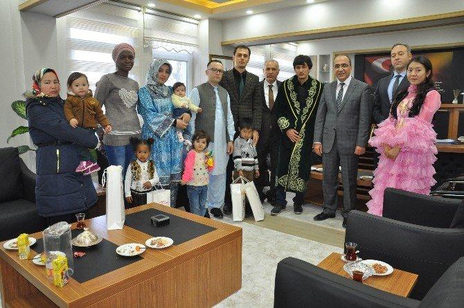 Erzincan Emniyetine Göçmenlerden Ziyaret