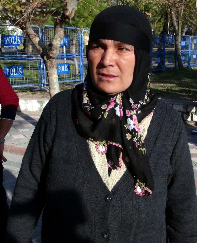 Oğlu ve iki damadı ölen anne: Yedi yetimi nasıl büyüteceğim kaygısındayım
