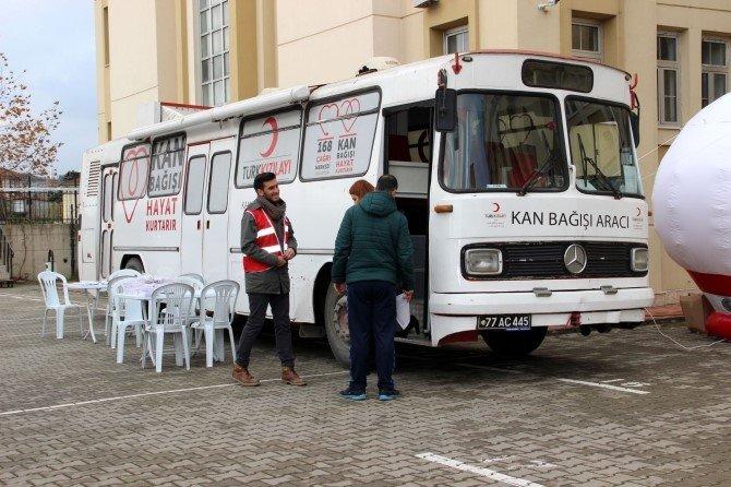 Geleceğin Kan Bağışçıları Projesi Sürüyor