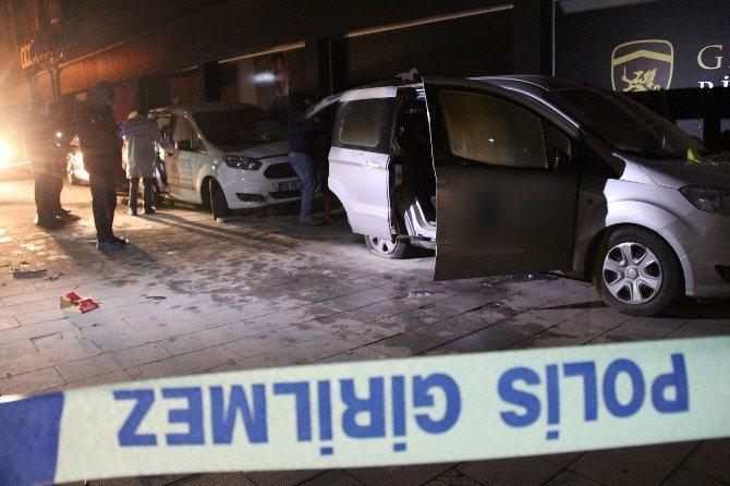 İstanbul'da 3 İlçede 8 Araç Kundaklandı
