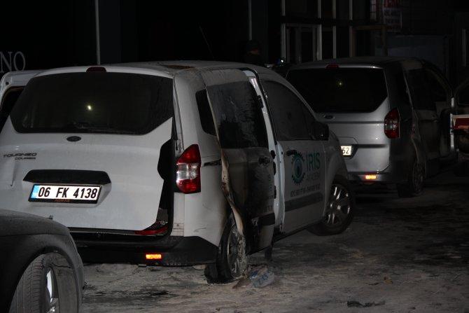 İstanbul'da 3 ilçede 8 araç kundaklandı