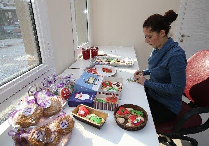 Karşıyaka'da, El Emeği Ürünlerine Büyük İlgi