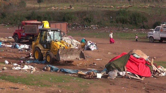Kocaeli'de İzinsiz Mülteci Çadırları Kaldırıldı