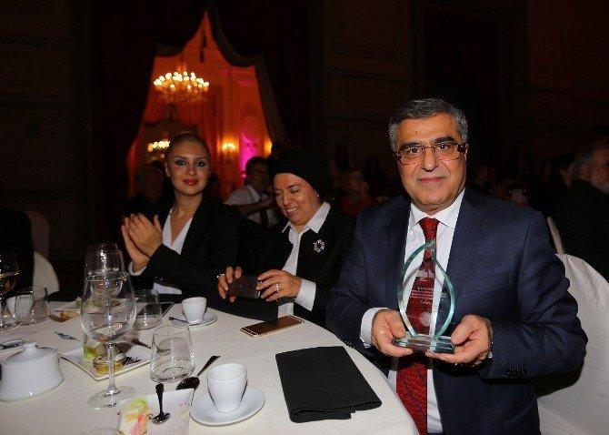 2015 Yılı Ulusal Destinasyonu Seçilen Gaziantep, Ödülünü Aldı