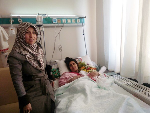 Üst Üste Ameliyat Olan Kadın Hayata Tutunmayı Başardı