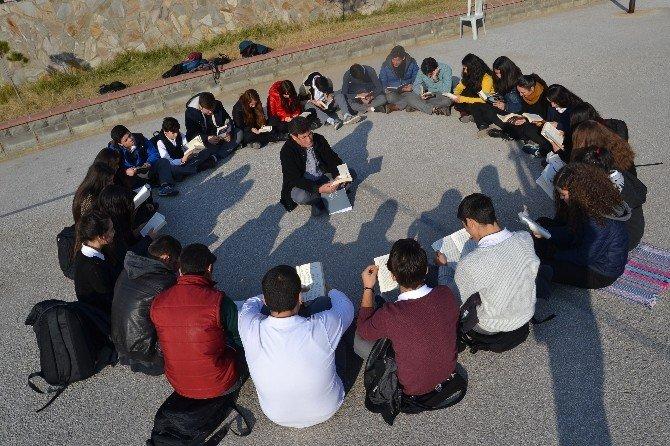 Nazillili Öğrencilerden Kitap Okuma Etkinliği