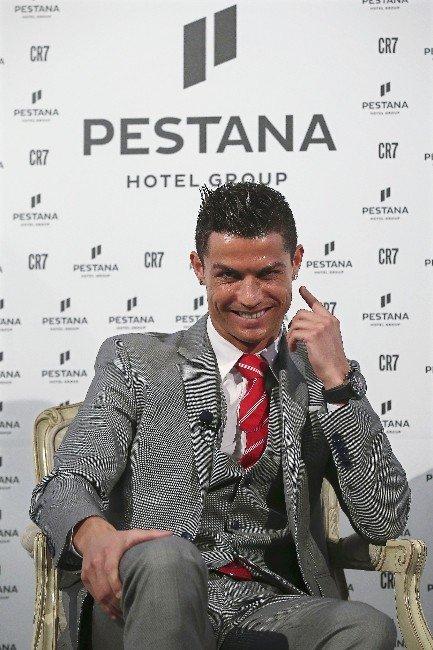 Ronaldo Otelcilik İşine Girdi