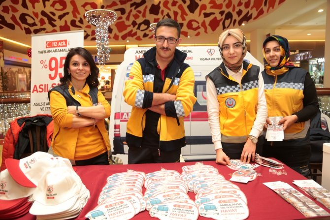 Erzurum'da 'Yaşama Yol Ver' stantı açıldı