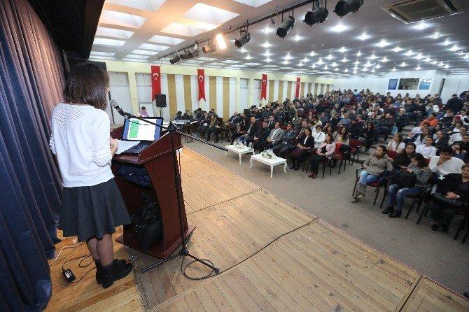 Selçuk'ta, Öğrenci Ve Sağlık Görevlilerine 'Stres' Konferansı