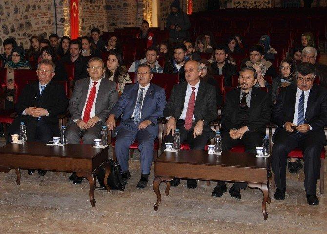 Doç. Dr. Doğan'dan Mesnevi Konferansı