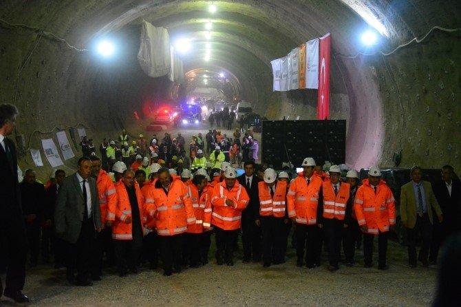 Yeni İstanbul Bursa Otobanı'nda Tünelde Işık Göründü...