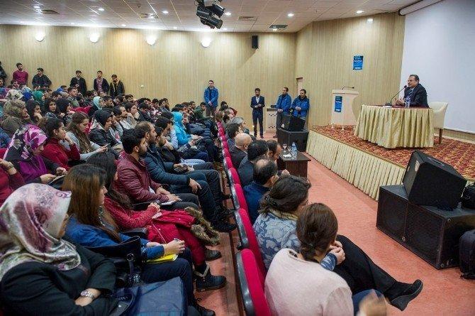 Vali Taşyapan Öğrencilere Tecrübelerini Aktardı