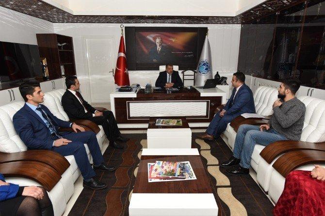Yabancı Uyruklu Öğrenciler, Başkan Selahattin Gürkan'ı Ziyaret Etti