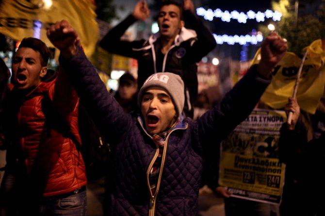Atina'da göçmenler günü için yürüdüler