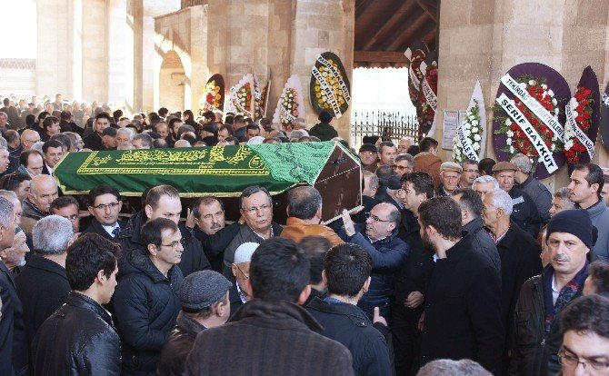 AK Parti Edirne Milletvekili Rafet Sezen'in Annesi Hacı Fatma Sezen Son Yolculuğuna Uğurlandı