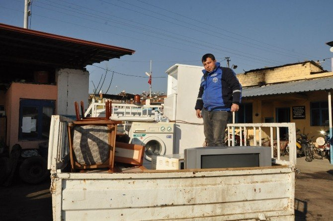 Nazilli'de Ev Işığı Projesi İle İhtiyaç Sahibi Bir Aile Sevindirildi