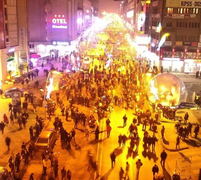 Erzurum'da Festival Korteji