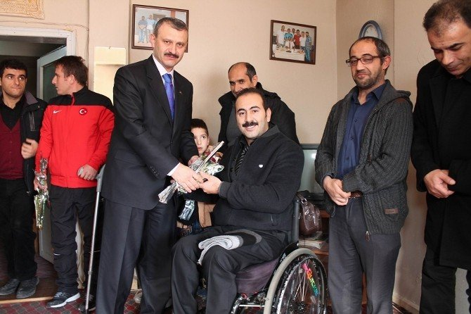 İl Müftüsü Balkan, Bedensel Engelliler Spor Kulübü'nü Ziyaret Etti