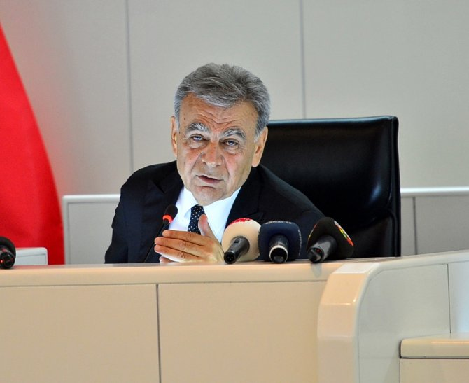 İzmir'de toplu ulaşıma ve suya zam yapıldı