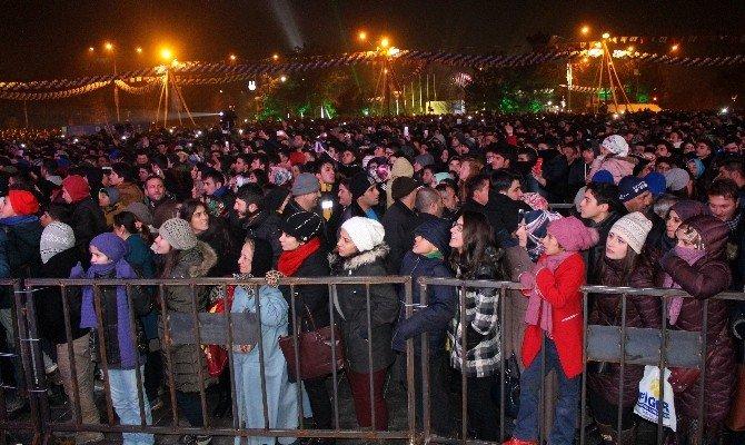 'Winterfest Kış Festivali'nin İlk Gününde Mustafa Sandal Coşkusu
