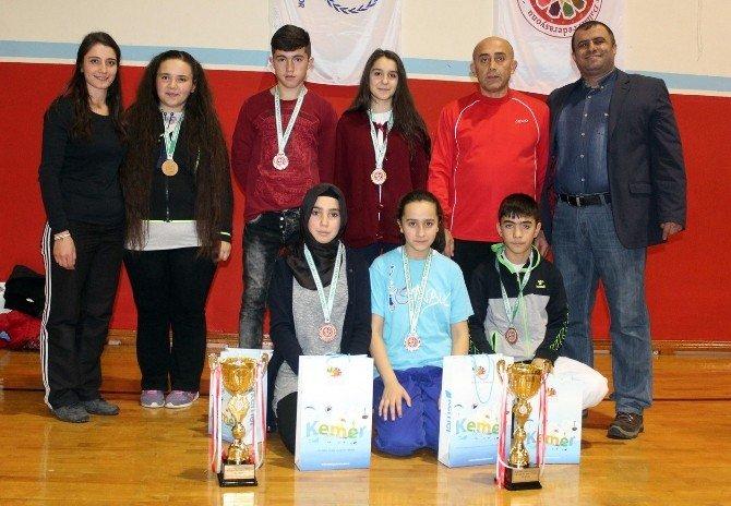 Kuşak Güreşi Türkiye Şampiyonası, Kemer'de Başladı