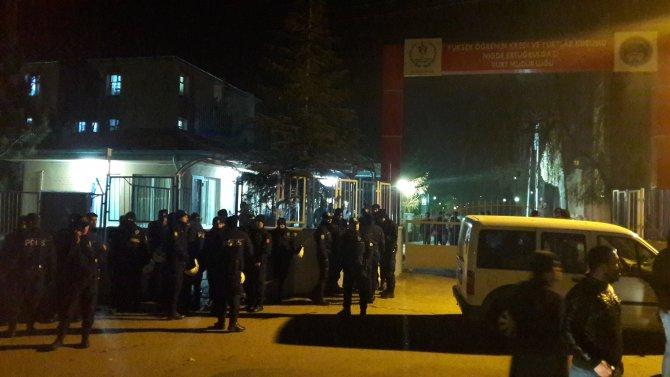Niğde'de KYK yurdunda kalan öğrenci bıçaklandı