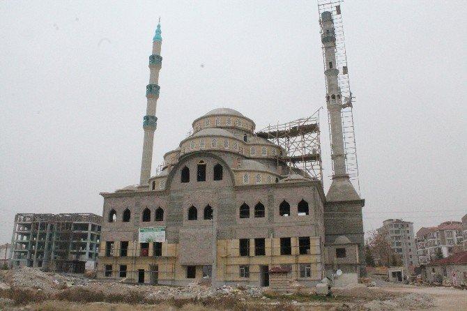 Fatih Sultan Mehmet Cami İnşaatının Yüzde 70'i Tamamlandı