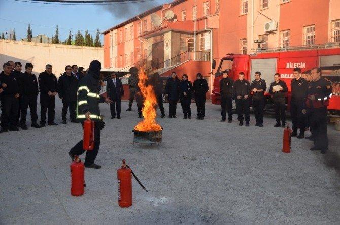 Bilecik M Tipi Kapalı Cezaevi'nde Yangın Söndürme Eğitimi Ve Olağan Üstü Hal Tatbikatı Yapıldı