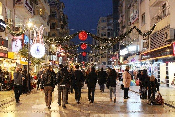 İzmir'de Yılbaşı Hareketliliği
