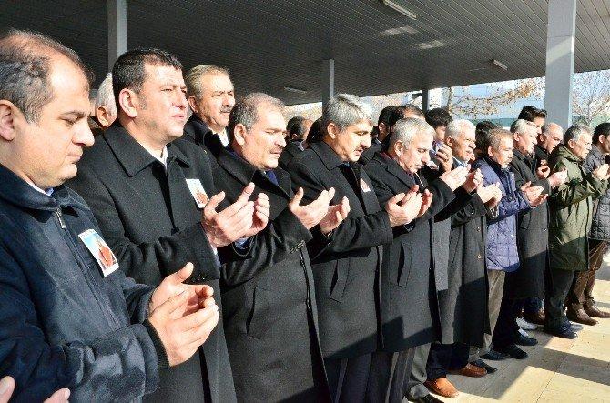 Adalet Bakanlığı Eski Müsteşarı Ve Emekli Yargıtay Üyesi Doğan, Son Yolculuğuna Uğurlandı