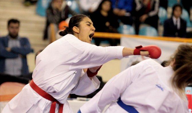 Adana'da yapılan Büyükler Türkiye Karate Şampiyonası sona erdi