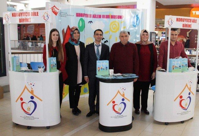 Forum Magnesia'da Koruyucu Aile Standı