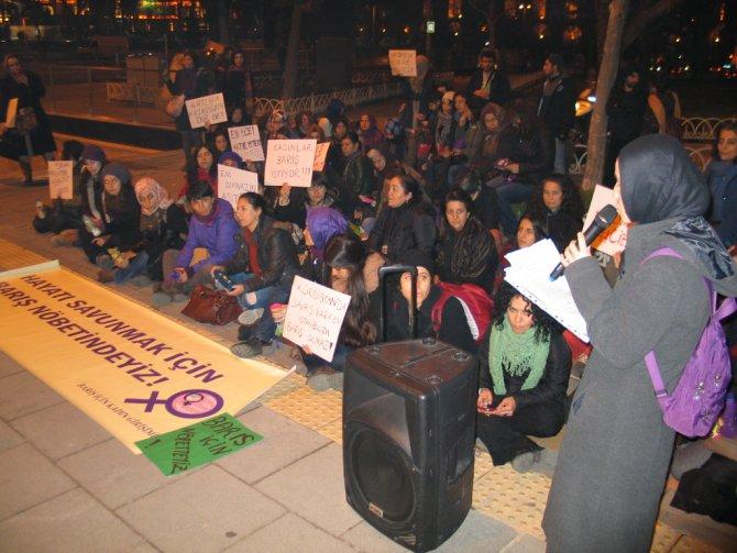 Şehzadebaşı Parkı'nda Güneydoğu'daki olaylar protesto edildi