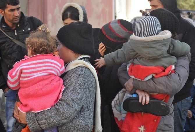Çanakkale'de 71 Mülteci Yakalandı