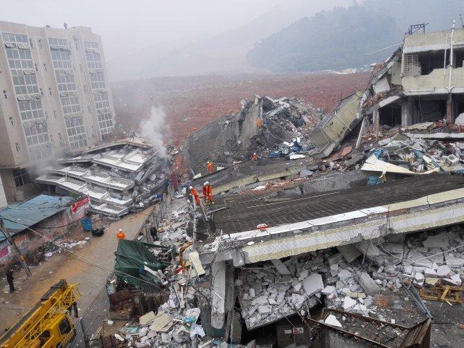 Çin'de bir düzine bina heyelandan çöktü: En az 41 kişi kayıp