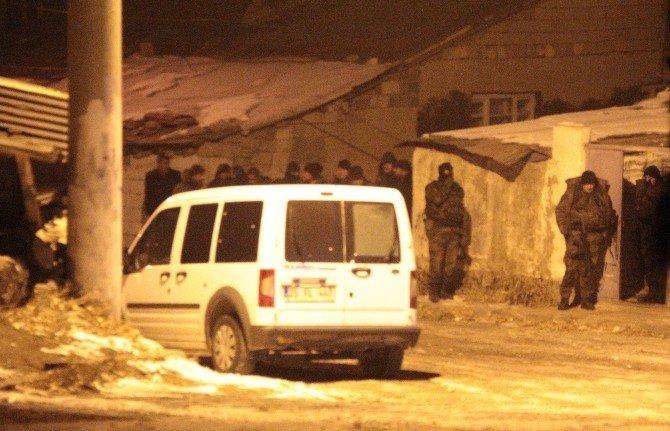 Erzurum'da Oğlunu Pompalı Tüfekle Öldüren Baba Polise Ateş Açtı
