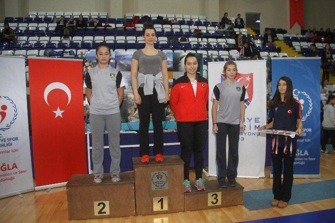 Türkiye Eskrim Açık Turnuvasında Ödül Günü