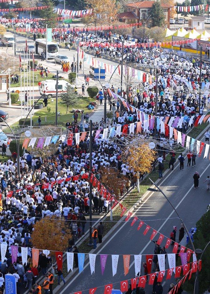 Gaziantep'te binlerce kişinin katılımıyla 'Kurtuluş Koşusu'