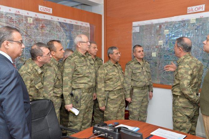 Genelkurmay Başkanı Akar ve komutanlar operasyon bölgesini denetledi