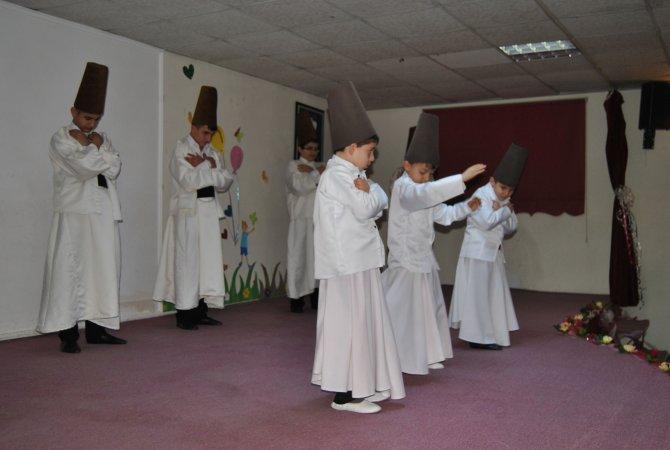 Hakkari'de öğrenciler, 'Mevlana Haftası'nı kutladı