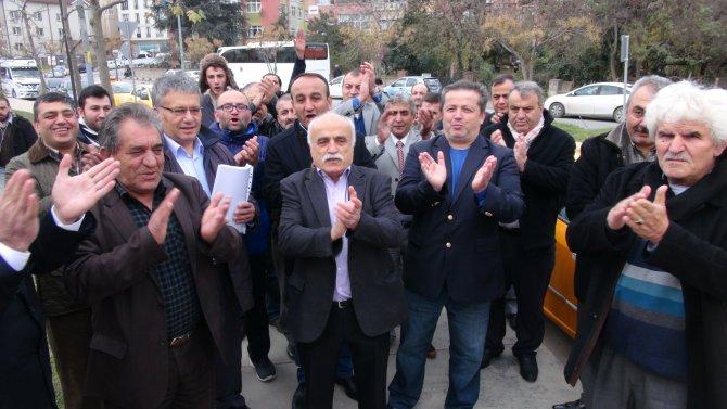 Zorunlu trafik sigortasına yapılan aşırı zamlar protesto edildi