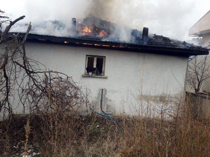 Kastamonu'da Şehit Annesinin Evi Yandı