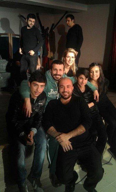 Maltepe'nin Tiyatrocuları Anadolu'yu Büyüledi