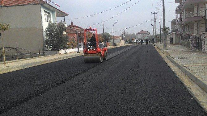 Büyükşehir'den Sarıgöl Sokaklarına Asfalt