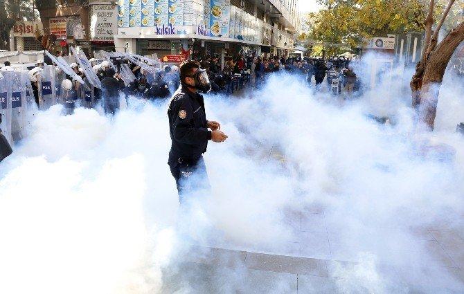 İzinsiz Yürüş Yapmak İsteyen Emek Ve Demokrasi Güçleri'ne Gazlı Müdahale