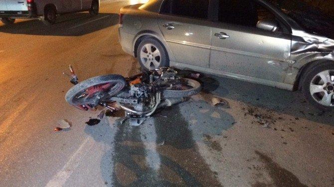 Sakarya'da 1 Kişinin Öldüğü Kaza Anı Güvenlik Kamerasına Yansıdı