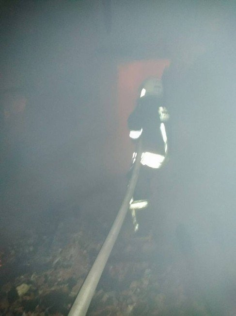 Seydikemer'deki Yangında Bir Ev Kullanılamaz Hale Geldi