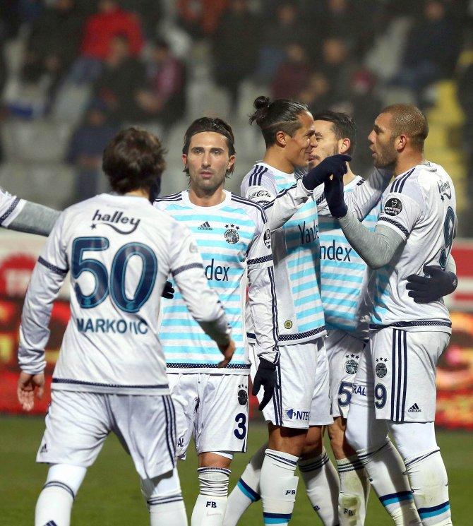 Gençlerbirliği: 0 - Fenerbahçe: 1 (İlk yarı)