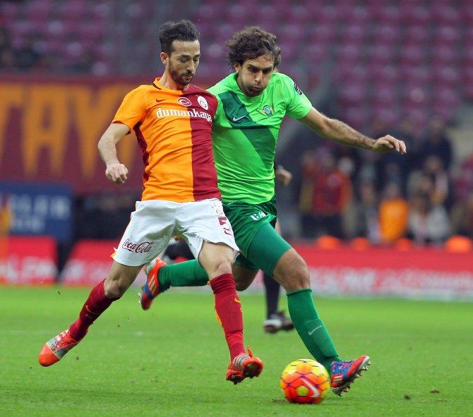Galatasaray: 2 - Akhisar Belediyespor: 0 (İlk yarı)